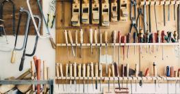 In einer Holzwerkstatt gehört auch eine Stichsäge