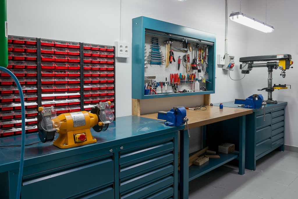 Werkzeugschränke in der Werkstatt